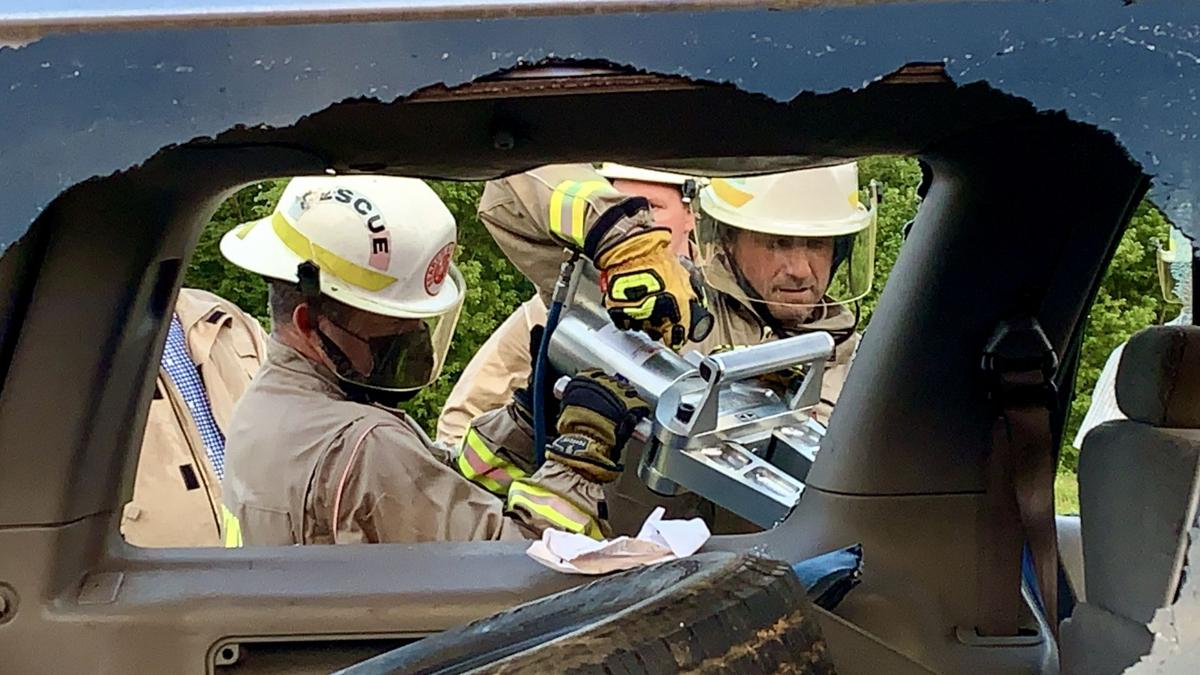 Yell County Mounted Patrol conducts auto extrication training
