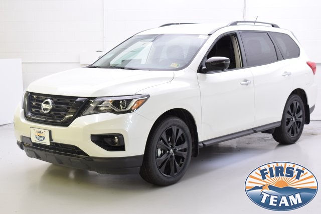 2018 Pearl White Nissan Pathfinder