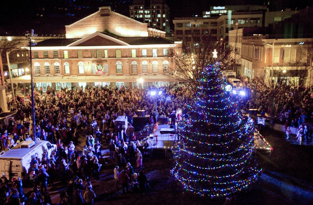 Christmas Lights Roanoke Va 2020 Dickens of a Christmas lights up downtown Roanoke | Archive