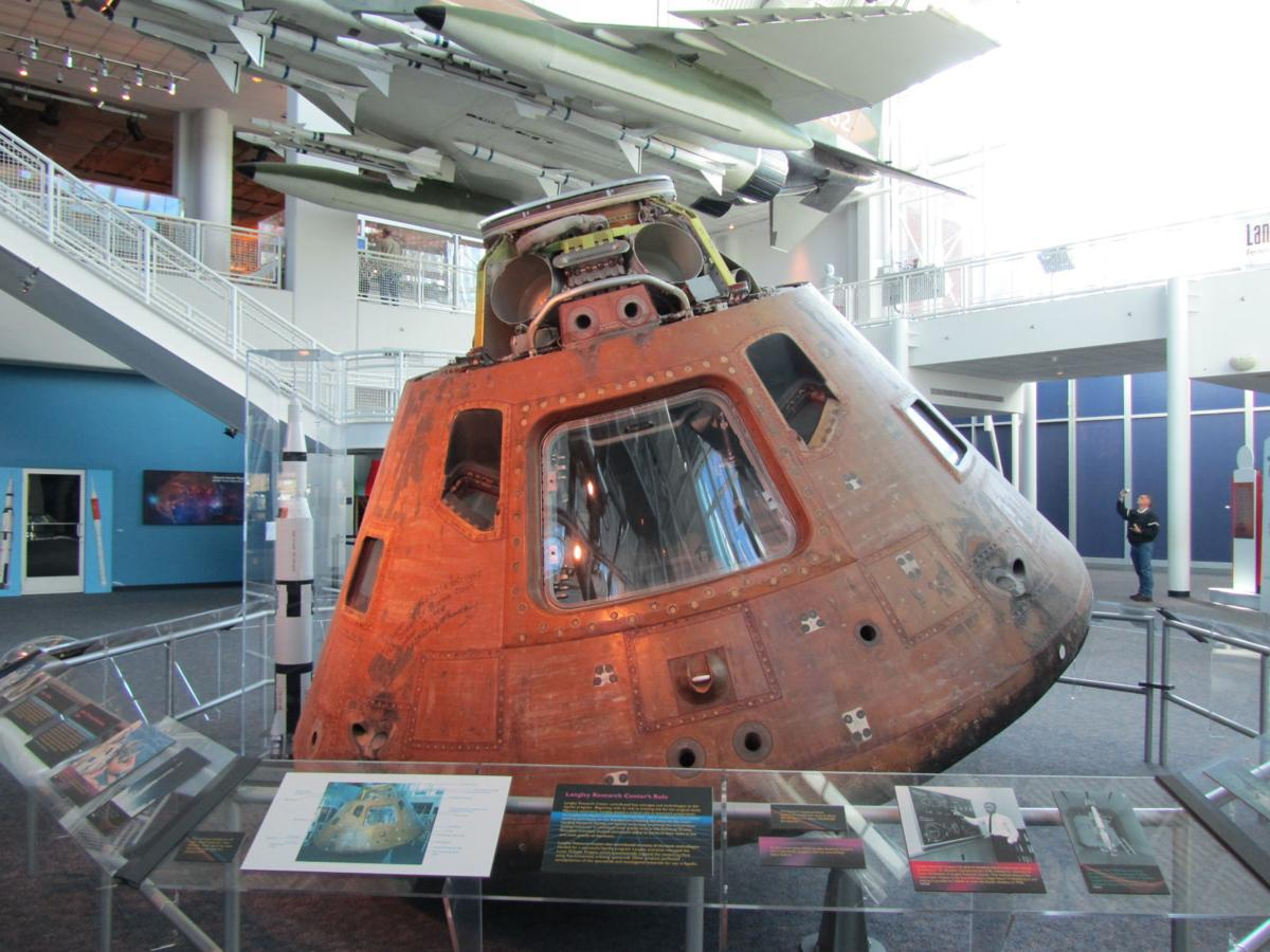 Apollo12_CommandModule_Hampton