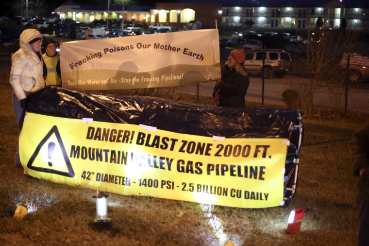 mg pipeline protest 121814