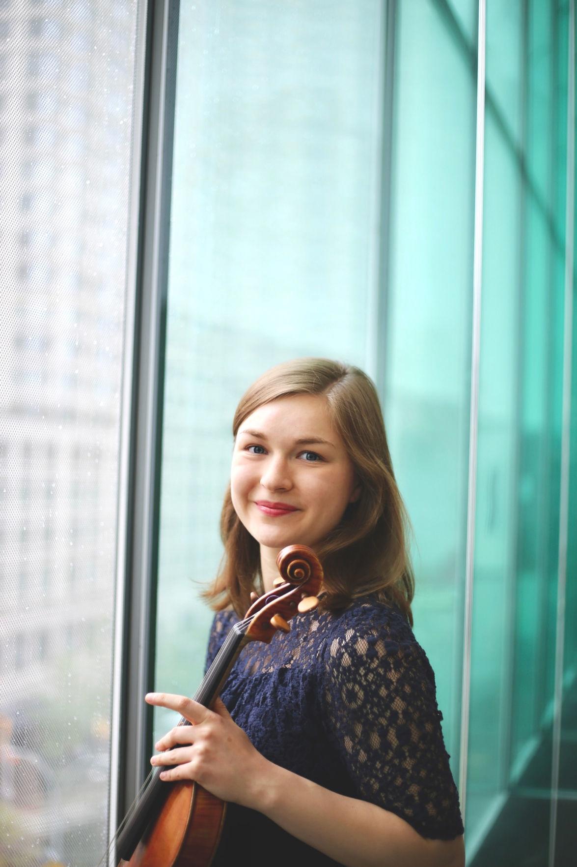 Bethany Hargreaves viola Photo