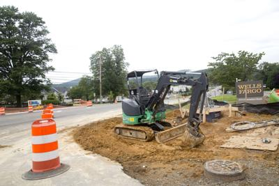 Construction at the intersection of Plantation Road and Lila Drive