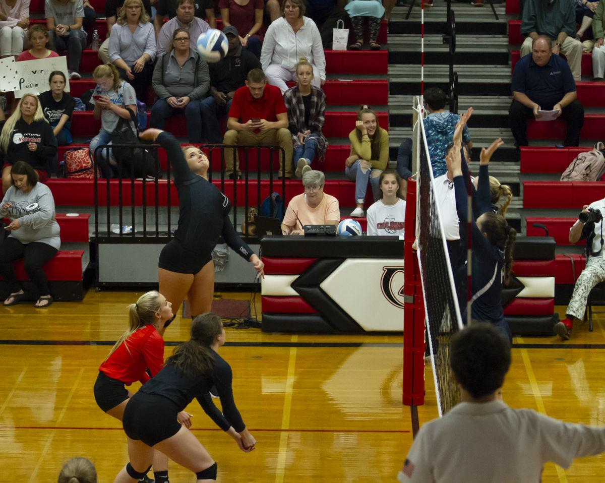 H S Volleyball Hidden Valley Sweeps Cave Spring In A Frenzied