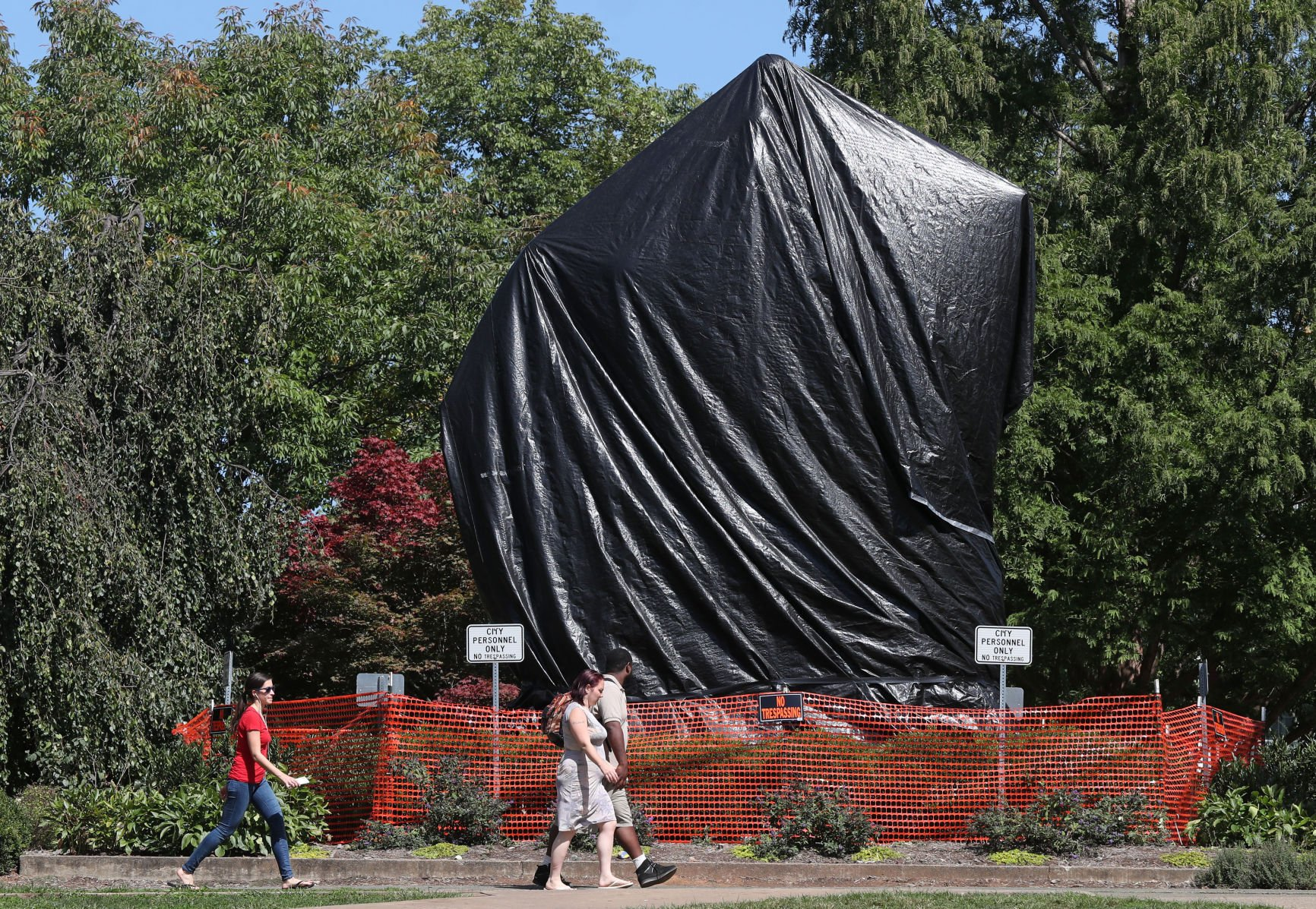 Jason Kessler and Group Removes Shrouds on Confederate Statues