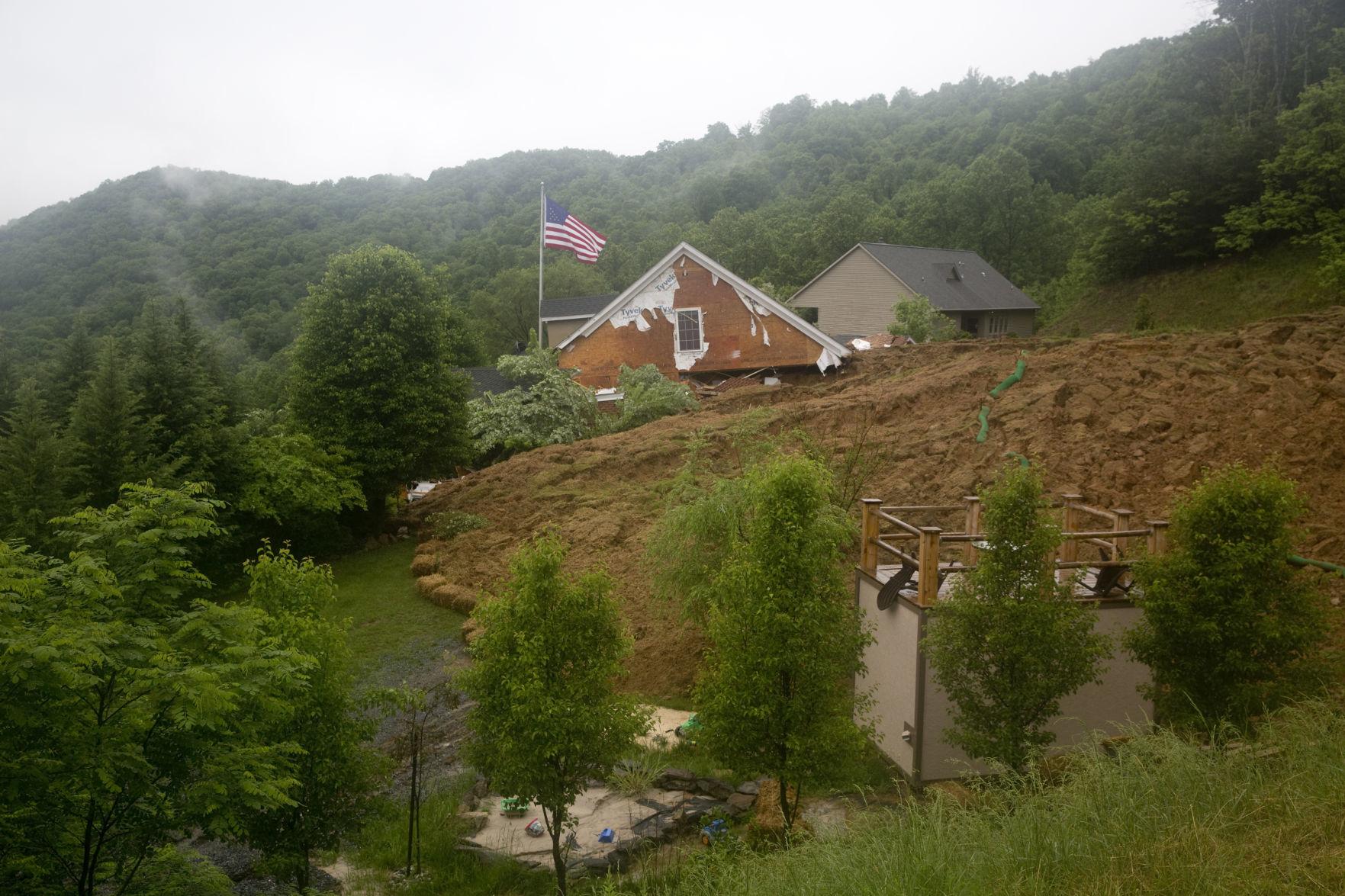 skd toddburyhouseslide 051818 p01 Mudslide destroys home