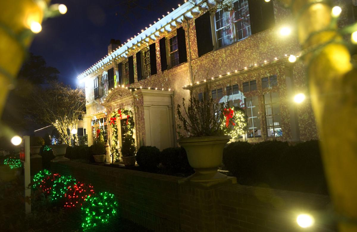 Christmas Lights Roanoke Va 2021 Christmas Lights Bring A Spot Of Brightness To These Dark Times Business Local Roanoke Com
