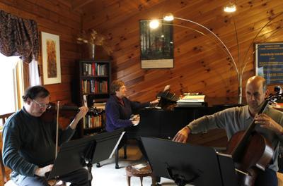 Kandinsky Trio in rehearsal