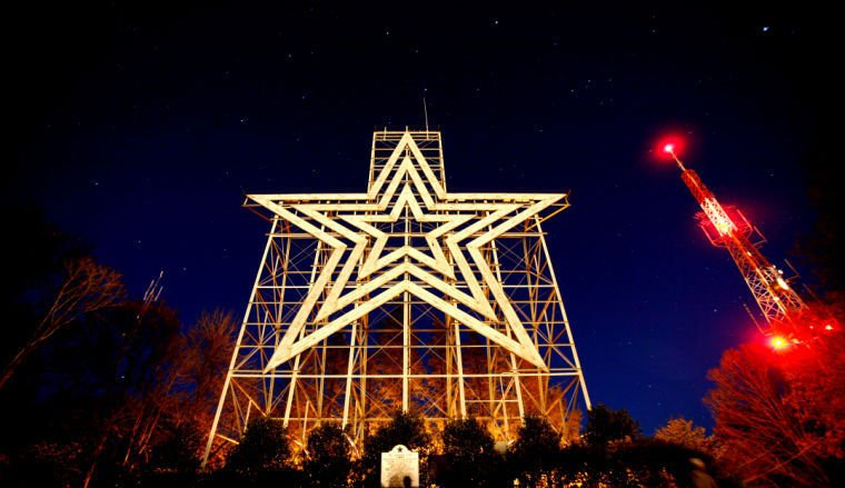 Car Rental Roanoke Va: Mill Mountain Star Turns 65