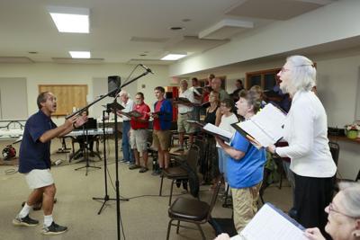 090421-roa-extra-choirgroup