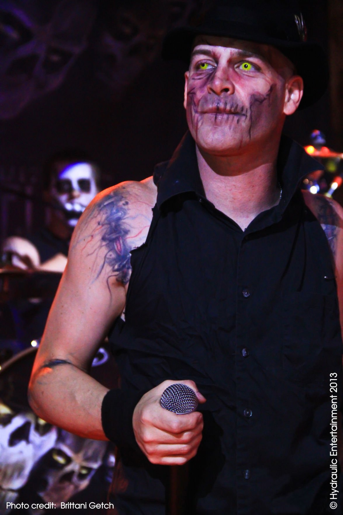 Ex Misfits Singer Michale Graves Plays Billy S Barn On