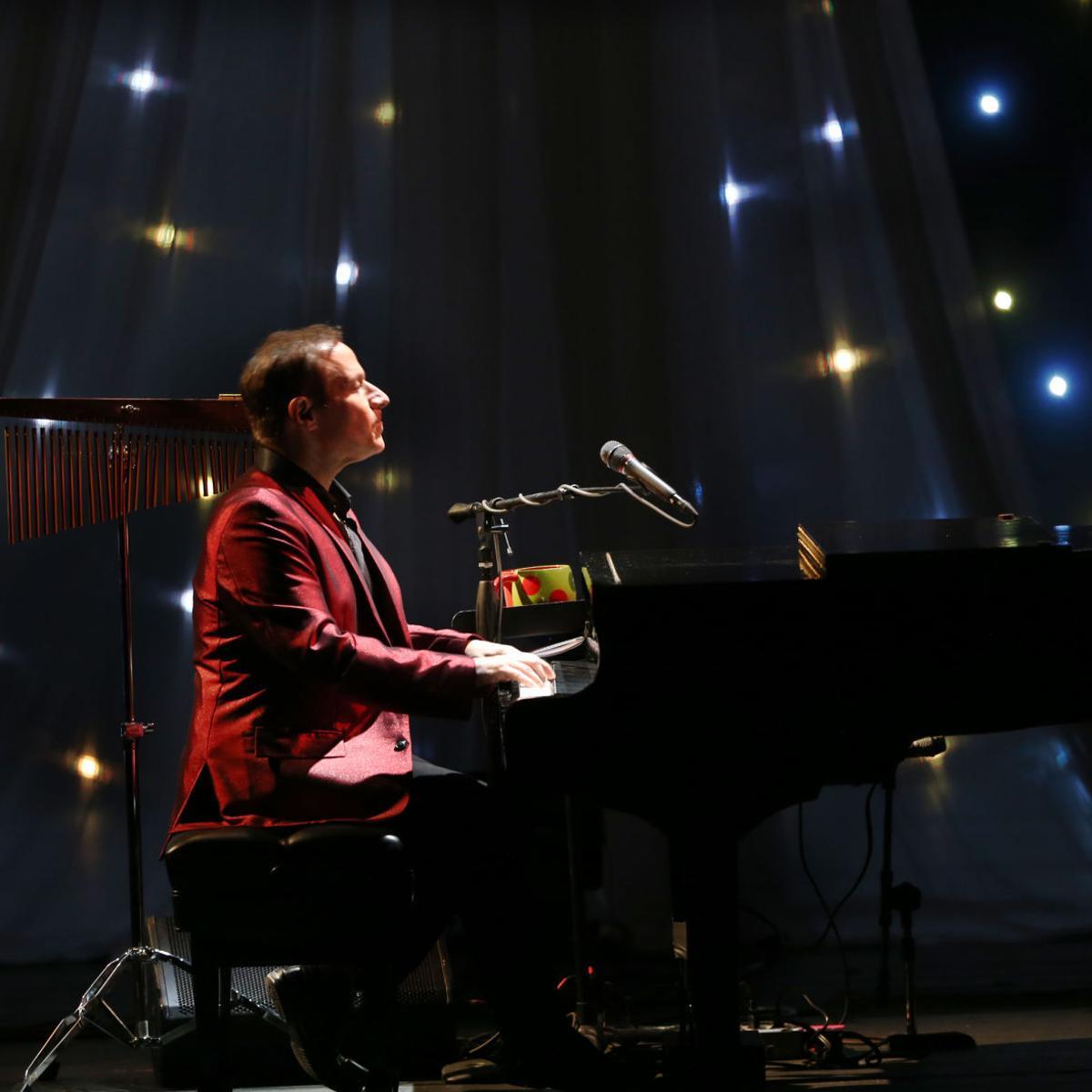 Concert review - Jim Brickman brings
