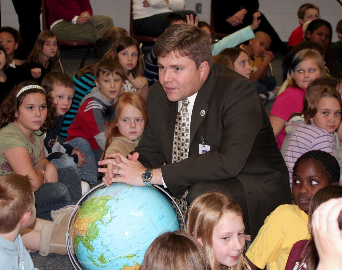 Alan Seibert With Kids.jpg