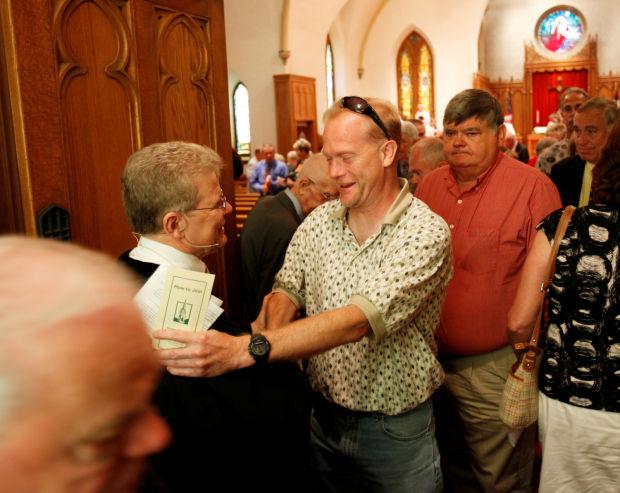 Roanoke pastor moving on