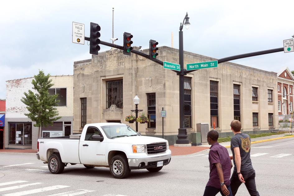 blacksburg bank redevelopment heads toward historic review roanoke times blacksburg news. Black Bedroom Furniture Sets. Home Design Ideas