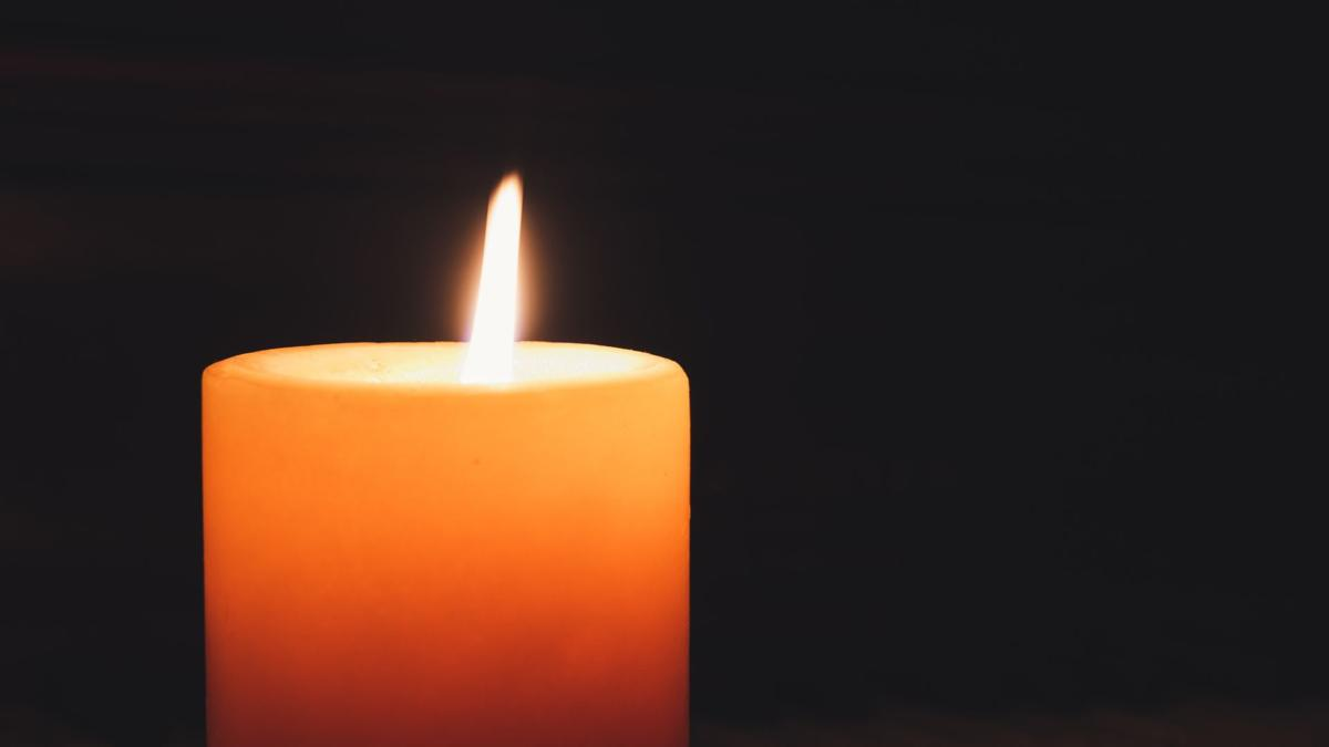 lighted-pillar-candle-1871130.jpg