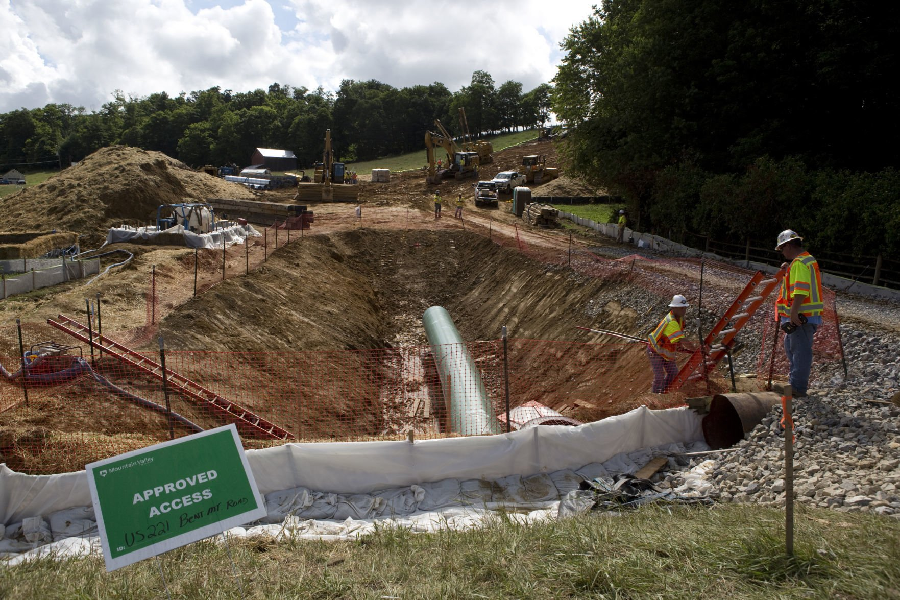 Hook up and pipeline construction inc