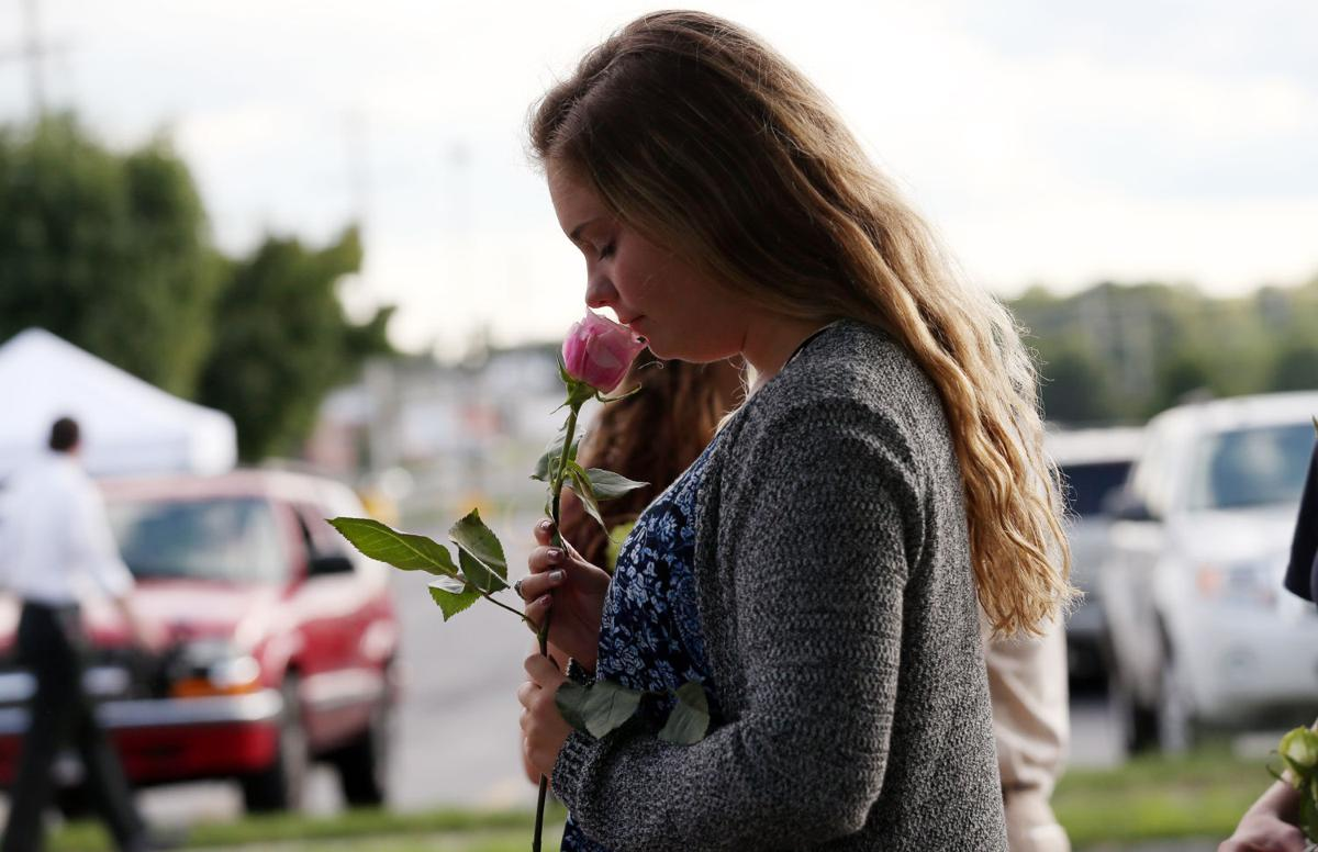 At vigil, community mourns WDBJ journalists it got to know