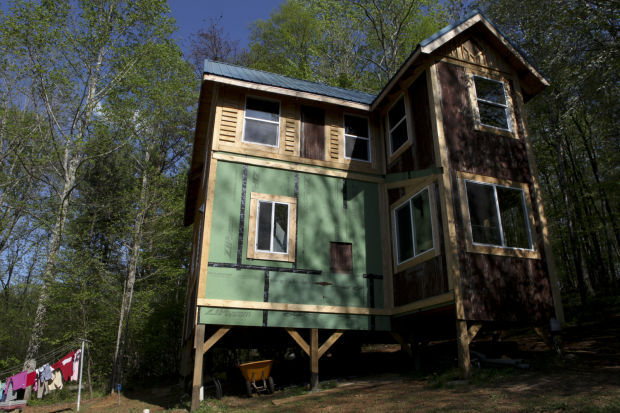 Phenomenal Floyd Tiny House Tour Showcases 6 Exceptionally Small Homes Largest Home Design Picture Inspirations Pitcheantrous