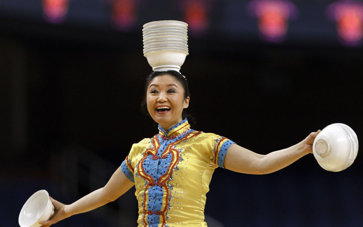 red panda blows away barclays center with bowls balance colleges. Black Bedroom Furniture Sets. Home Design Ideas