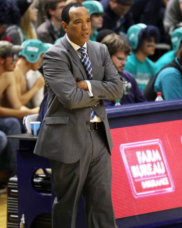 College Basketball Notebook: Lynchburg Native, Coach Kevin