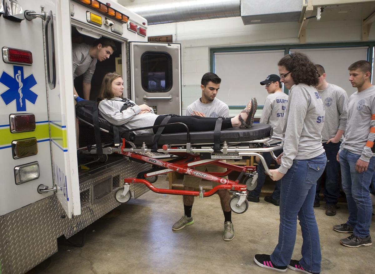 Classes give Roanoke County students a chance to earn EMT ...