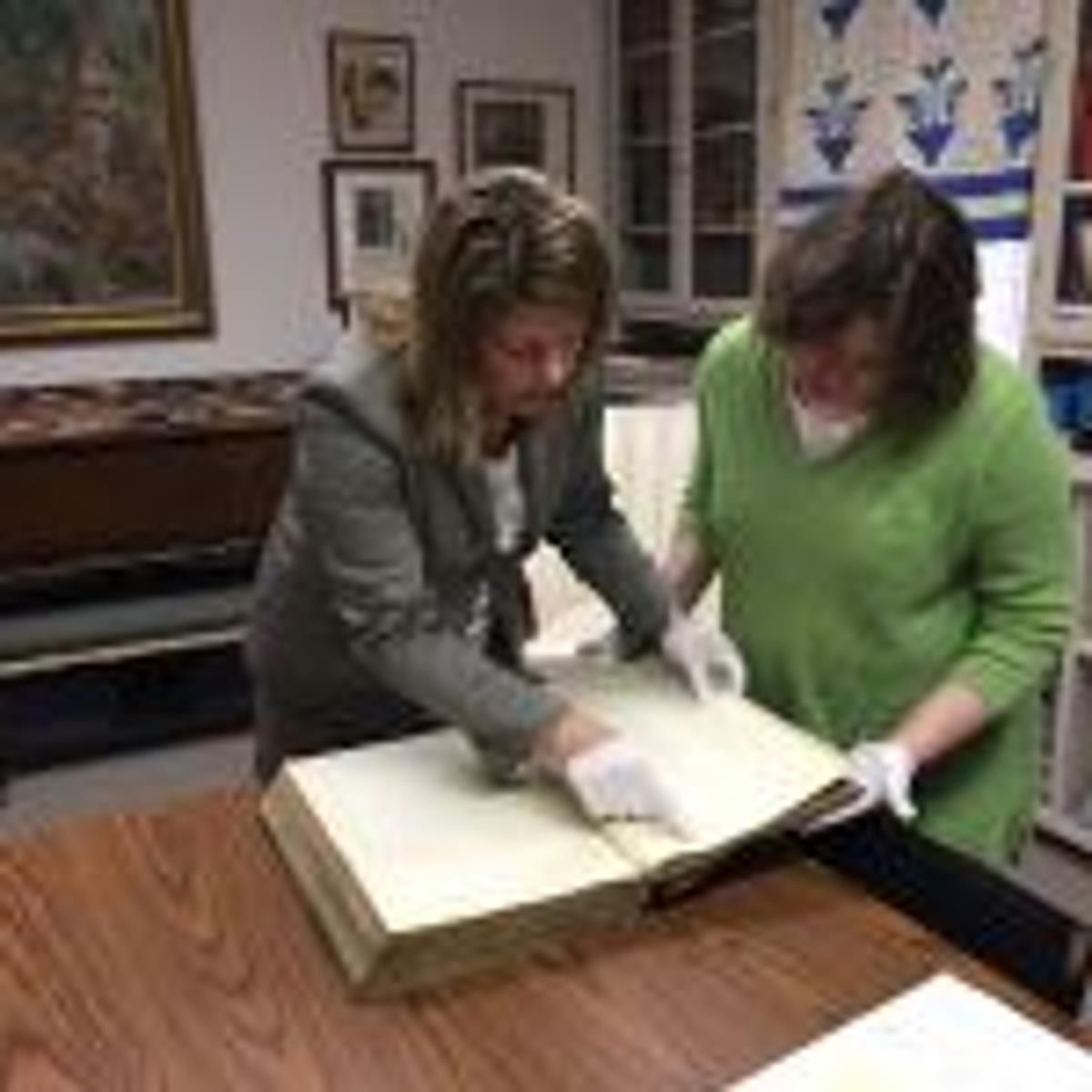 Montgomery Museum presents county court clerk with legal