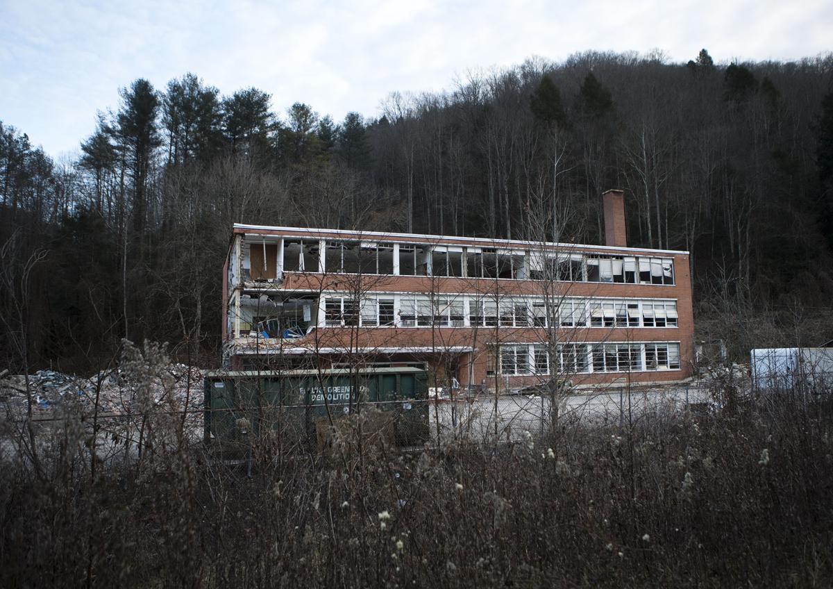ey coalschools 010417 p07 (copy)