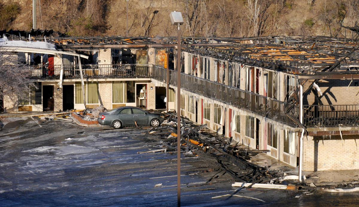 Pet Killed Firefighter Injured In Motel Blaze That Sent