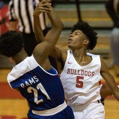Five Harris dunks highlight Newton's 80-53 rout of Rockdale County Friday night