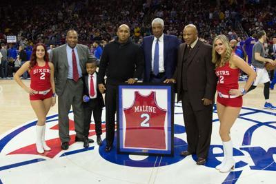 fddc7968355 NBA  Los Angeles Lakers at Philadelphia 76ers