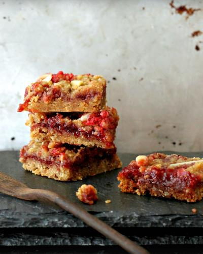 TASTEFOOD: A quick and easy streusel bar to add to your holiday baking list