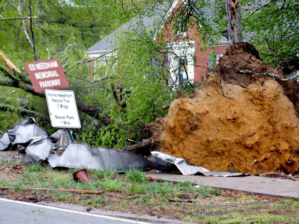 Mansfield Hit By Tornado No One Injured Newton