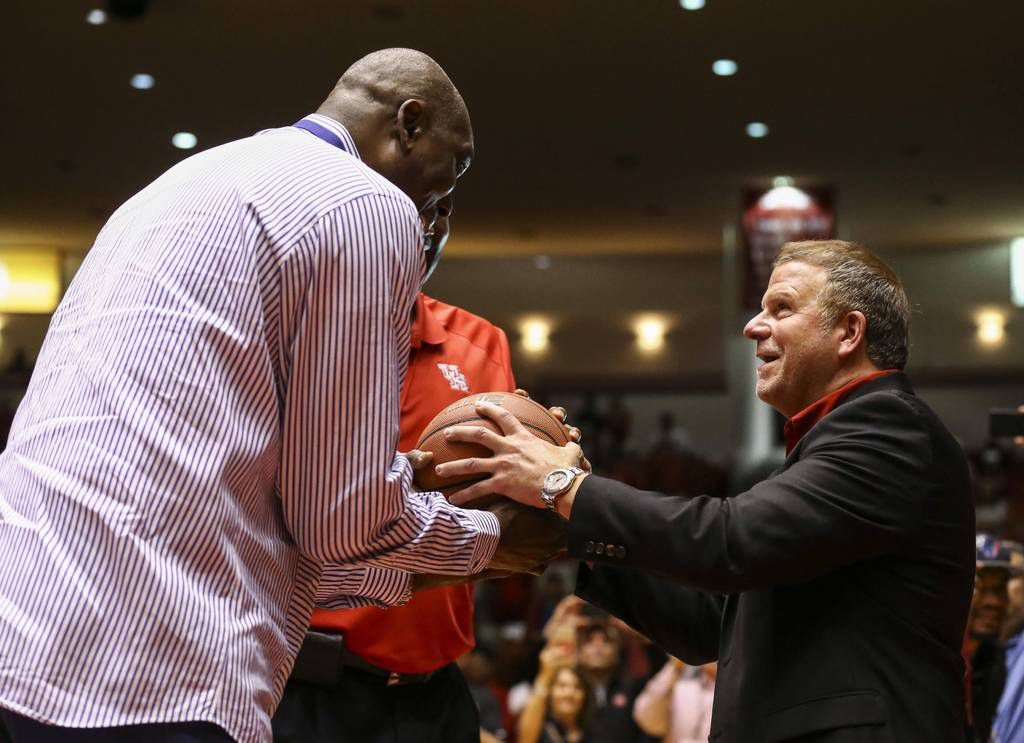 Owner of Golden Nugget Casinos and Hotels to buy Houston Rockets