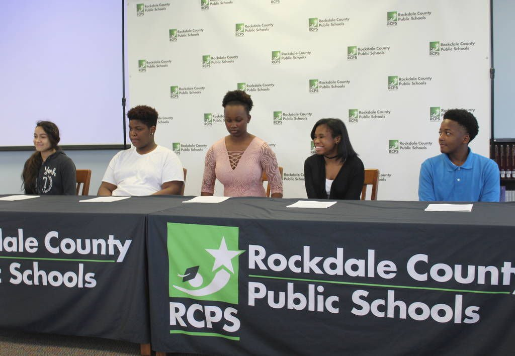 "Rockdale middle students to ""REACH"" for the stars"