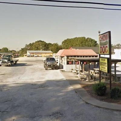 Chow Dog, 2572 Covington Highway, Conyers