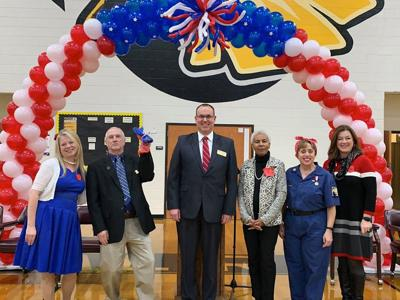 Ray Davis Middle School honors veterans