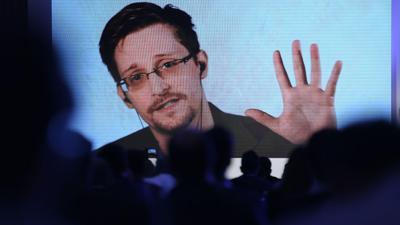 Edward Snowden gets permanent residency in Russia - lawyer