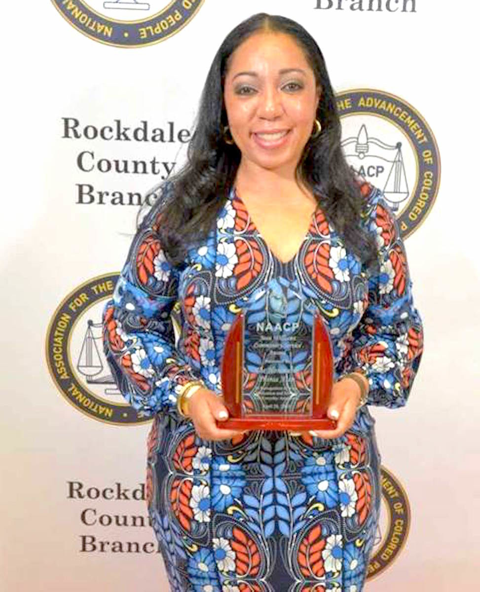Judge Aten receives NAACP Community Service Award