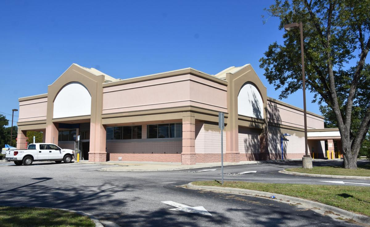 Former Rite Aid along Benvenue Road
