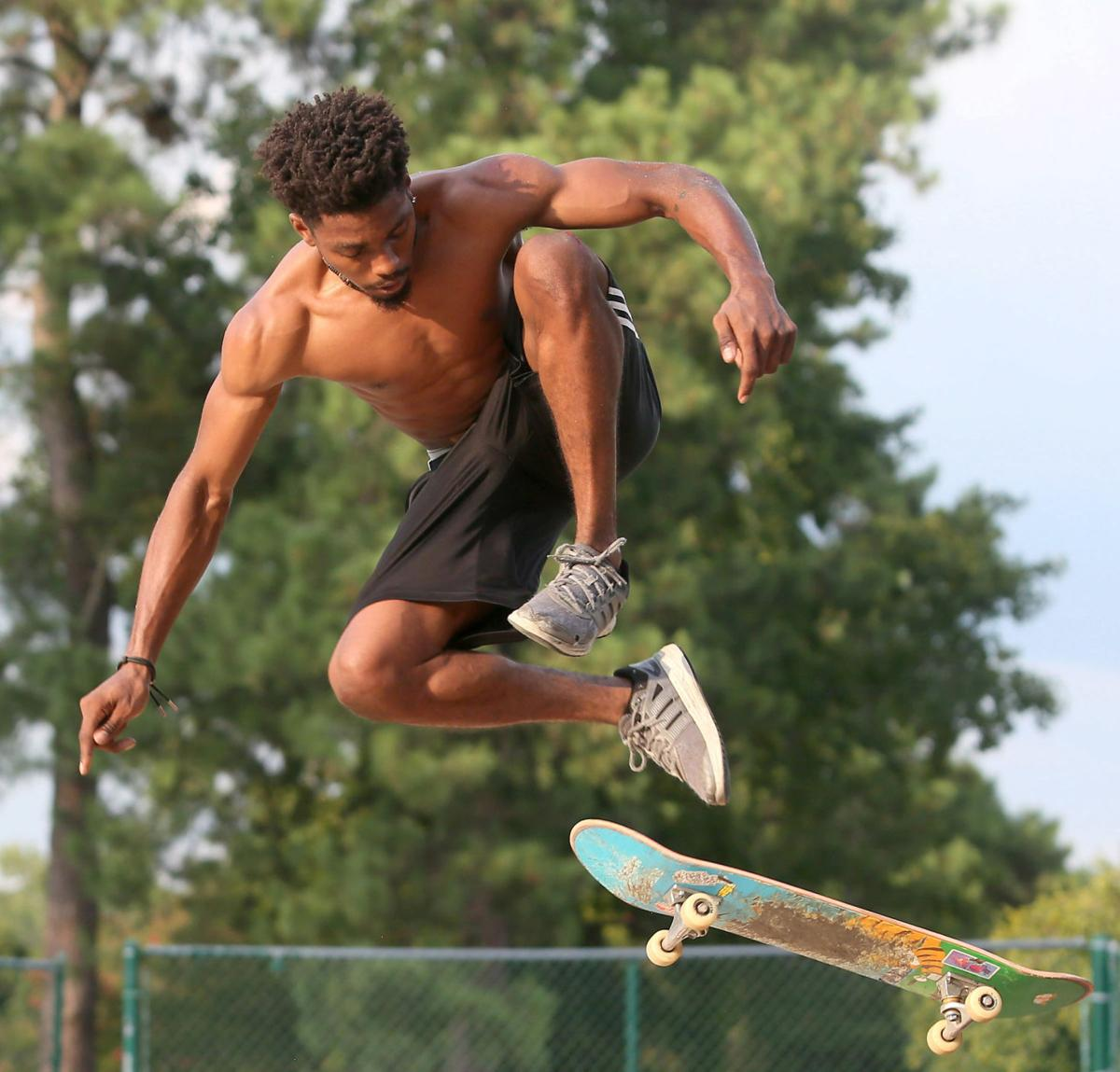 080119_rmt_skateboarder