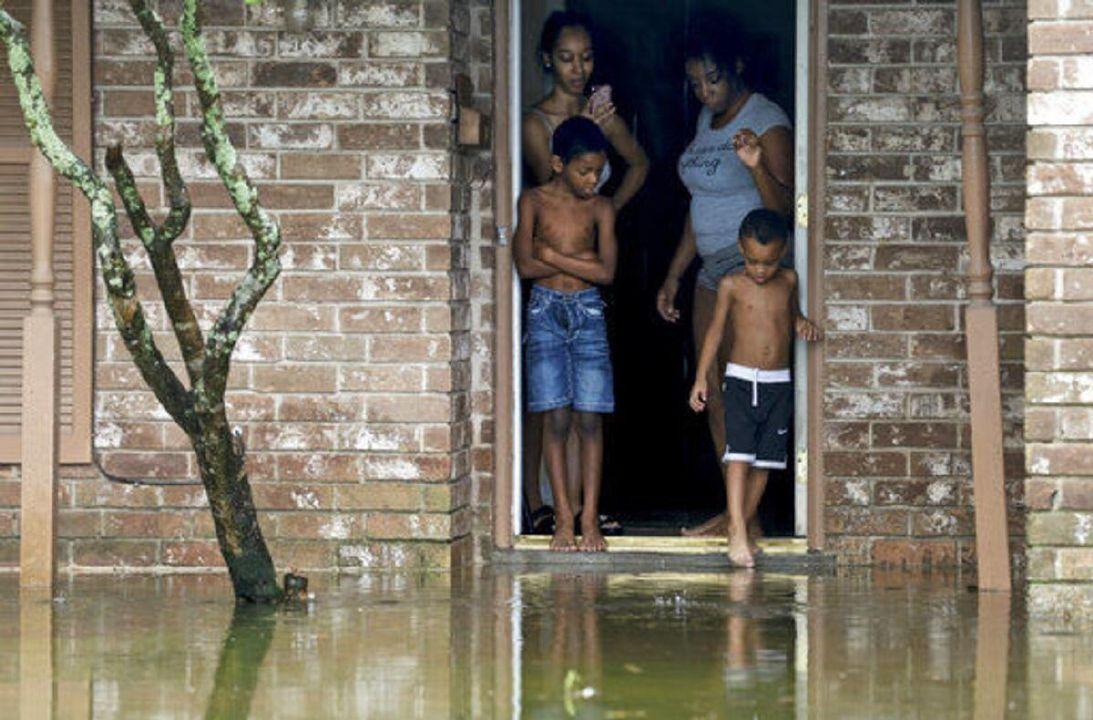 Beta weakens to tropical depression, stalls over Texas coast