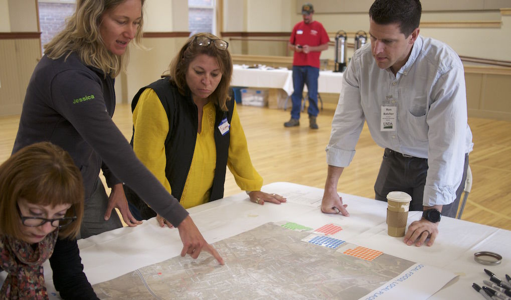 Imagining the future of food:  Farmers, advocates, citizens gather in city