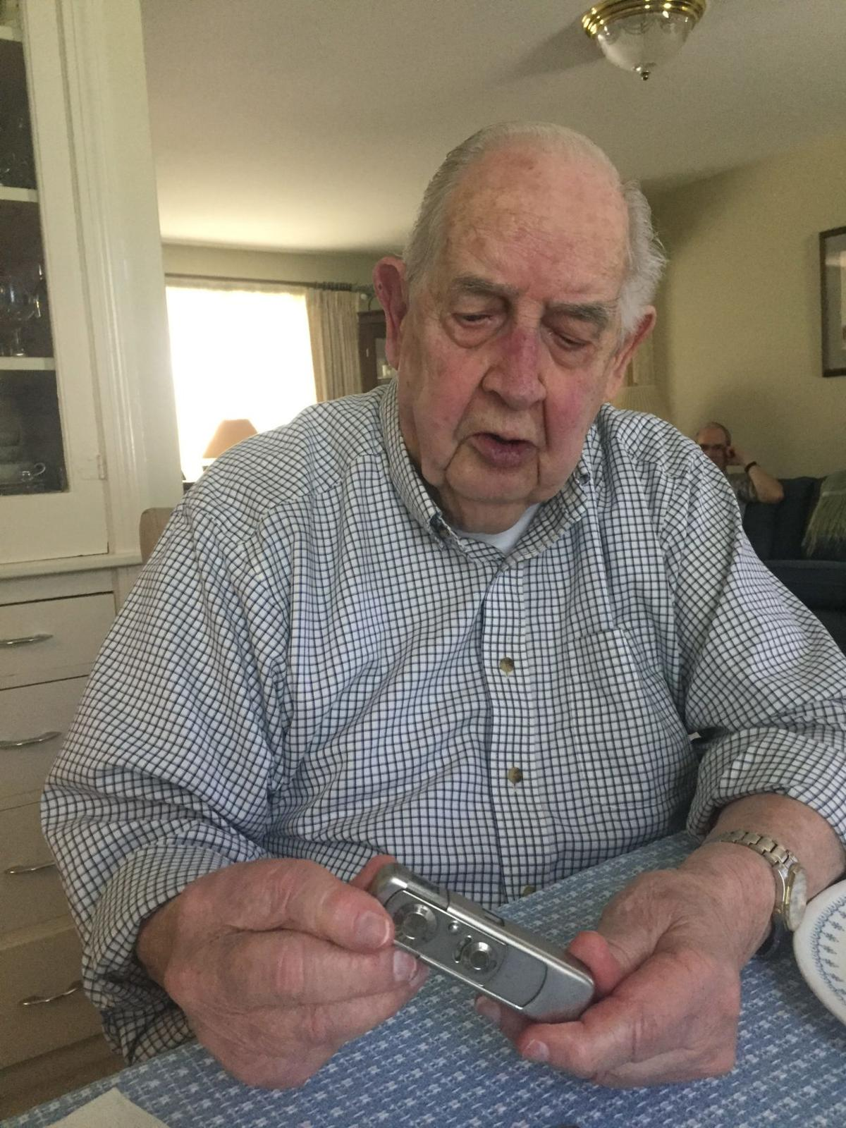'None of it is forgettable': D-Day veteran shares his story