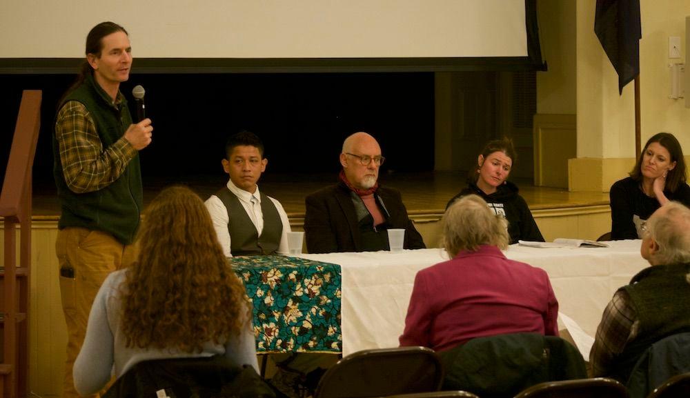 Lt. Gov. David Zuckerman hosts immigration roundtable, 11-5-2019