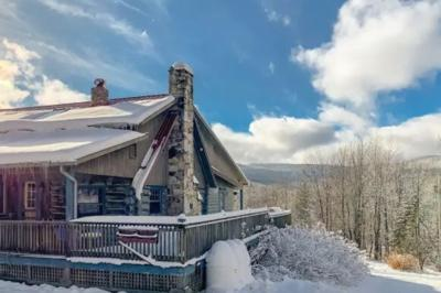 Montgomery Ski Cabin.JPG