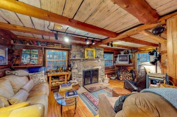 Montgomery Ski Cabin2.JPG