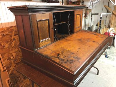 Breen desk
