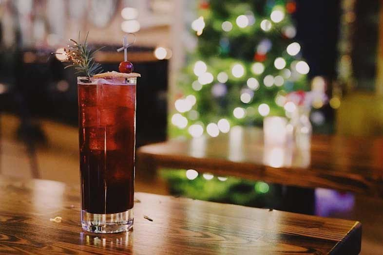 10 Holiday Cocktails to Get You in the Spirit