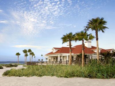 Staycations / Hotel del Coronado Feature